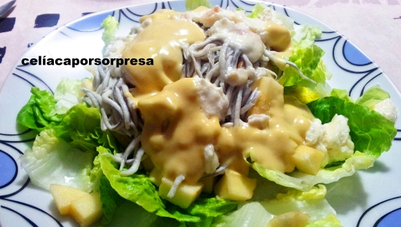 ensalada-templada-de-gulas-queso-de-cabra-y-manzana-con-vinagreta-de-mostaza1