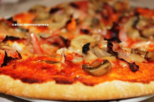 pizza de jamón y champiñón2