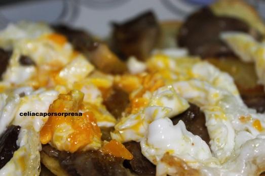 huevos rotos con setas2