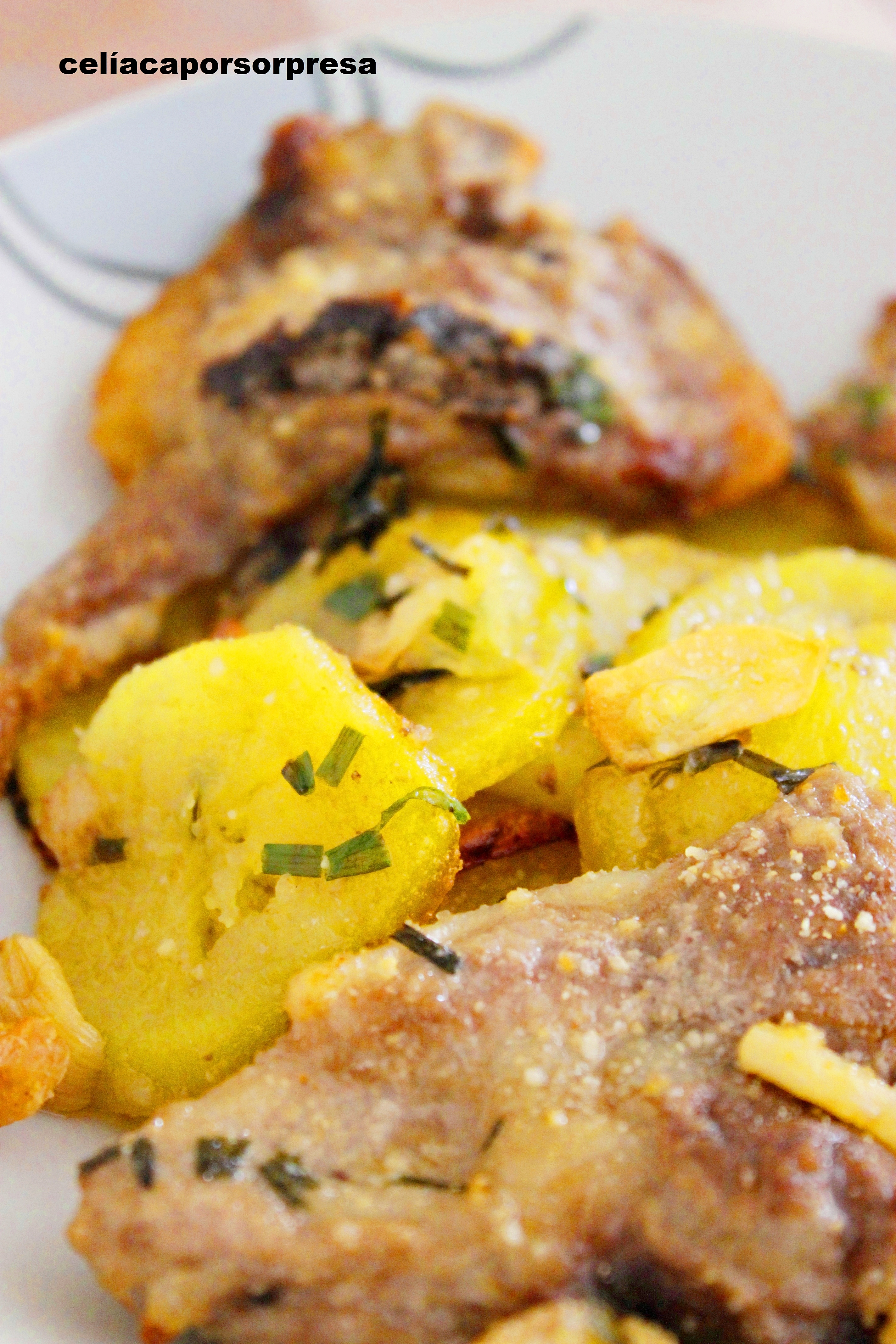 Chuletas de cordero con patatas al cebollino horno - Chuletas de cordero al horno ...