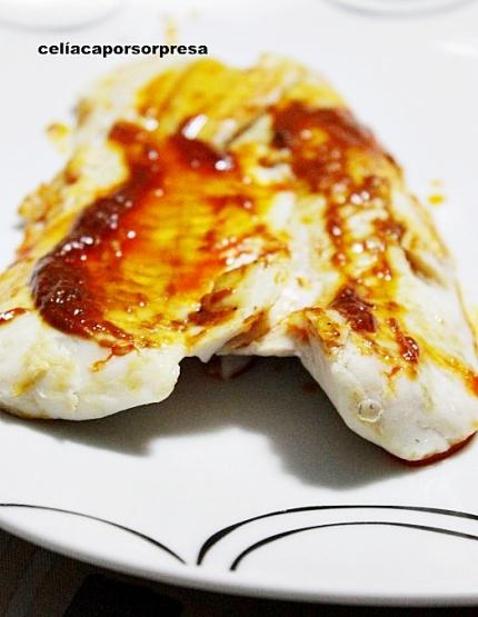 merluza-al-vapor-con-salsa-de-pimientos-del-piquillo