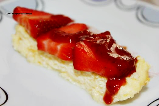 pastel-de-queso-con-coulis-de-fresa2