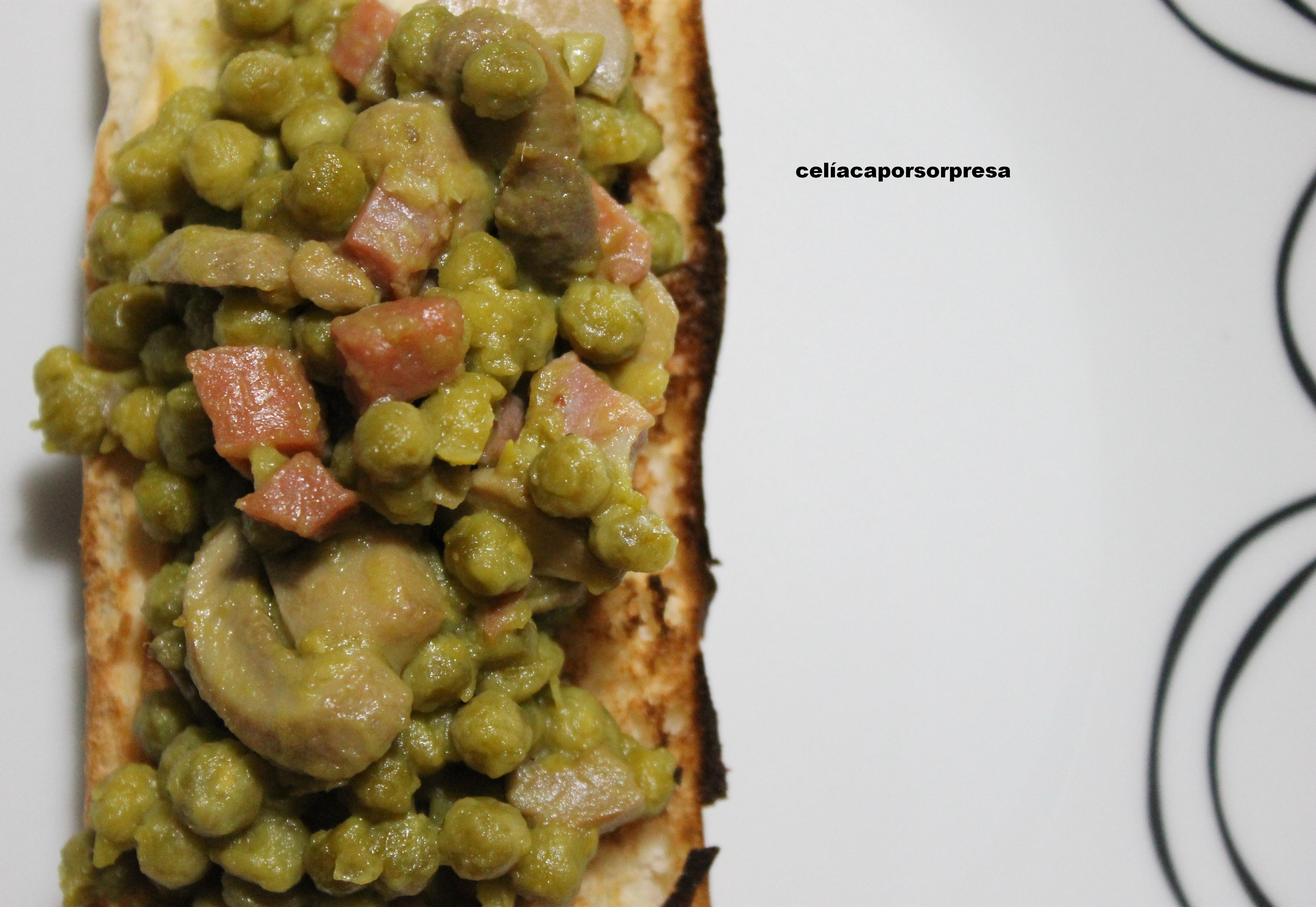 Tosta De Guisantes Con Champiñón Y Taquitos De jamón