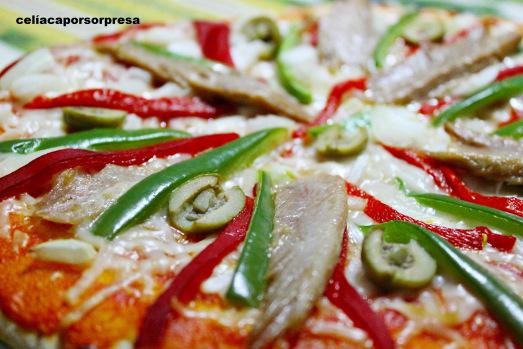 pizza-de-ventresca-con-pimiento-zoom-de-cerca