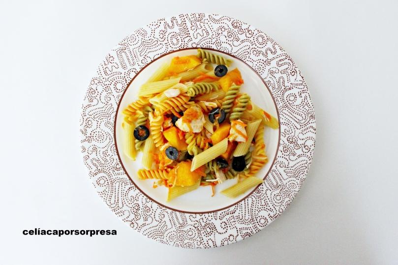 ensalada-de-pasta-con-pollo-y-melocoton
