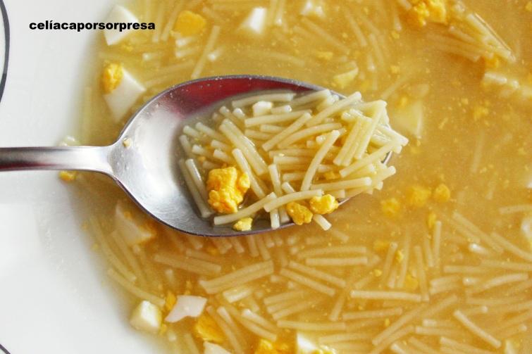 sopa-con-caldo-de-judias-verdes-cuchara