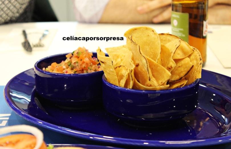 guacamole-chips-nachos-sin-gluten-fridays