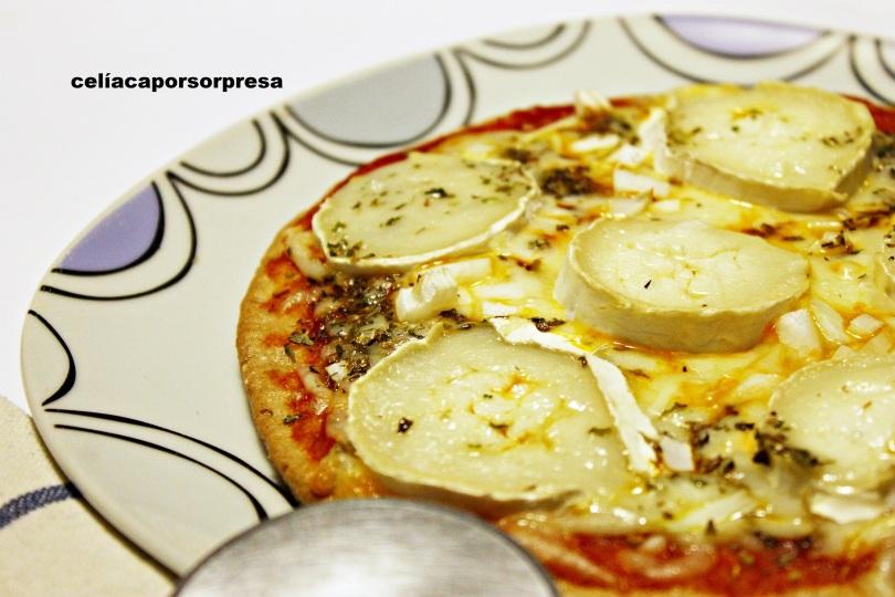 pizza-queso-rulo-de-cabra-de-lado