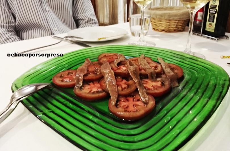 ensalada-de-tomate-y-anchoas-torrenostra