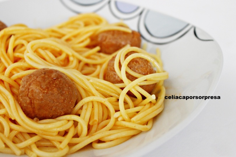 espaguetis-con-albondigas